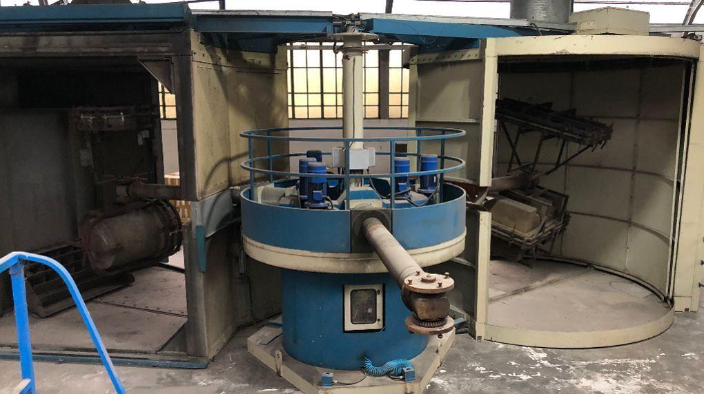 used-rotomolding-machine