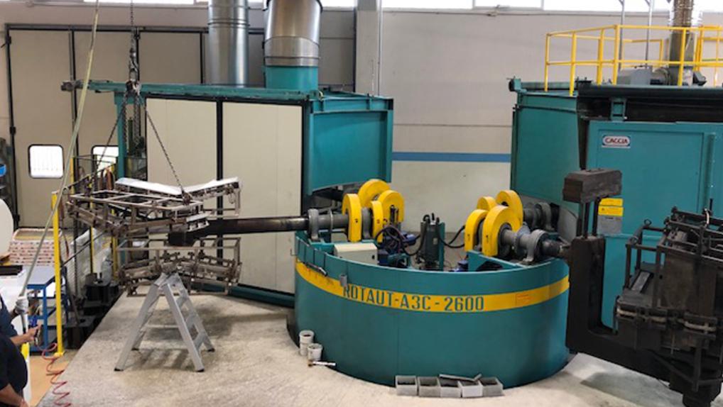 used-rotomoulding-machine